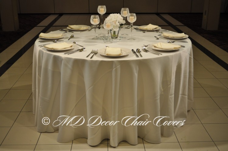 Ivory-Satin-Lamour-Tablecloth